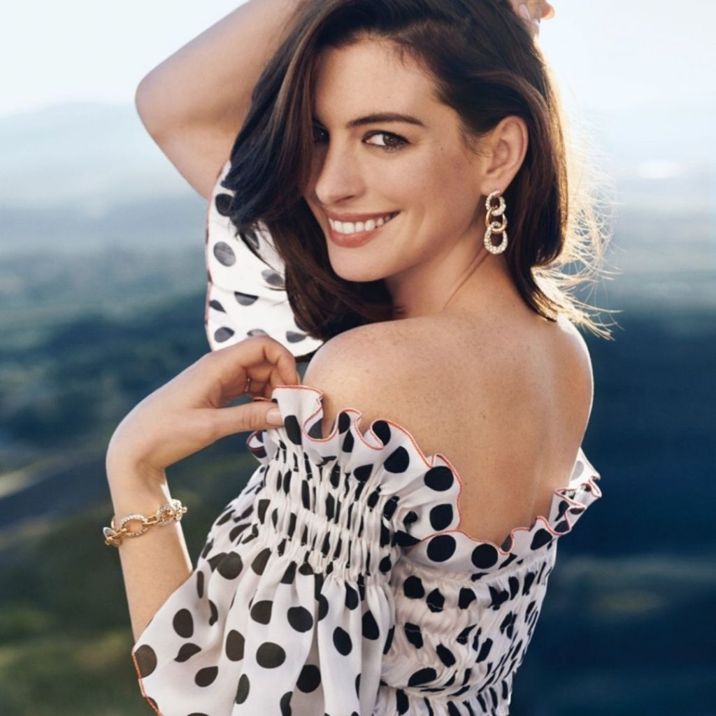 Anne Hathaway as the Ingenue